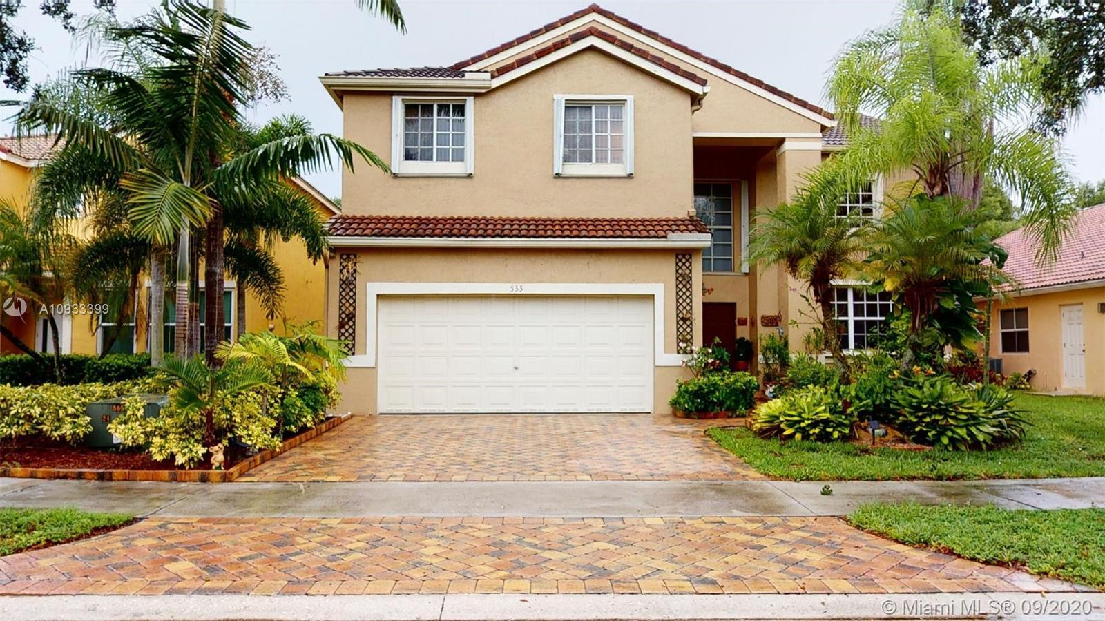 Four bedroom with den property, located in The Falls of Weston, one of US safest cities, and top sch