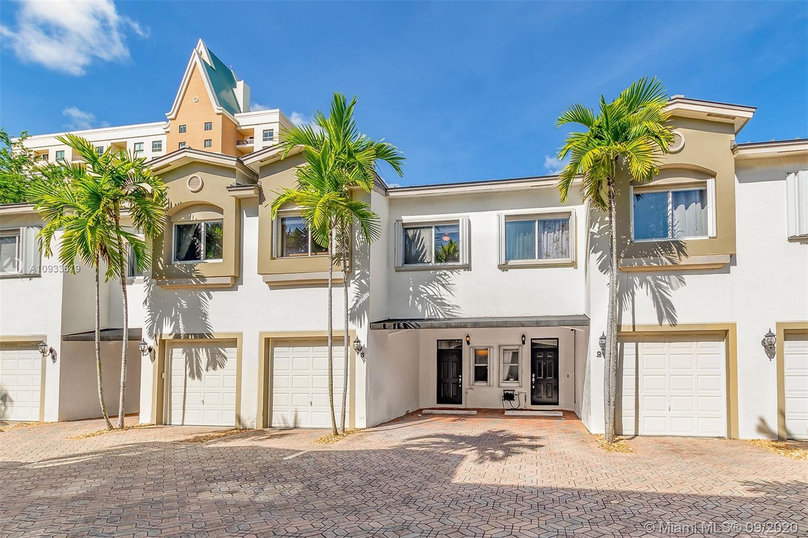 Large 3-bedroom 2.5 bath townhouse in an intimate gated community in Victoria Park! 1 Garage & 1 Car