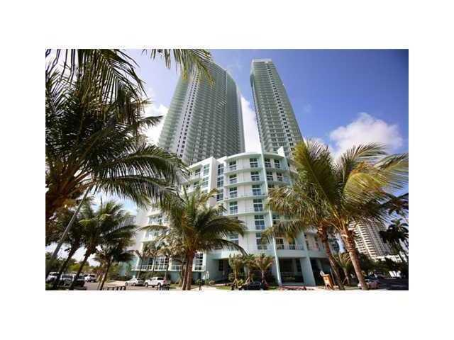 2bd 2bth den loft with unobstructed view of Bay, City and Park. Wood Floors with 12 foot ceilings. E