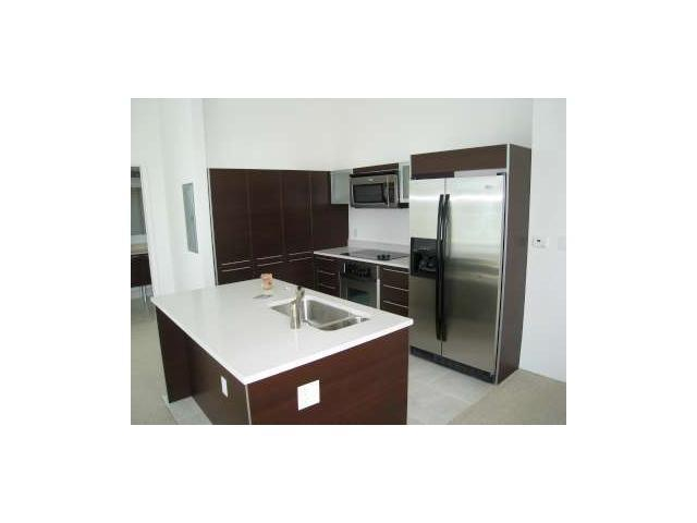 2bd 2bth waterview loft apartment with 12ft ceilings, enclosed master bedroom with blackout. Walk in