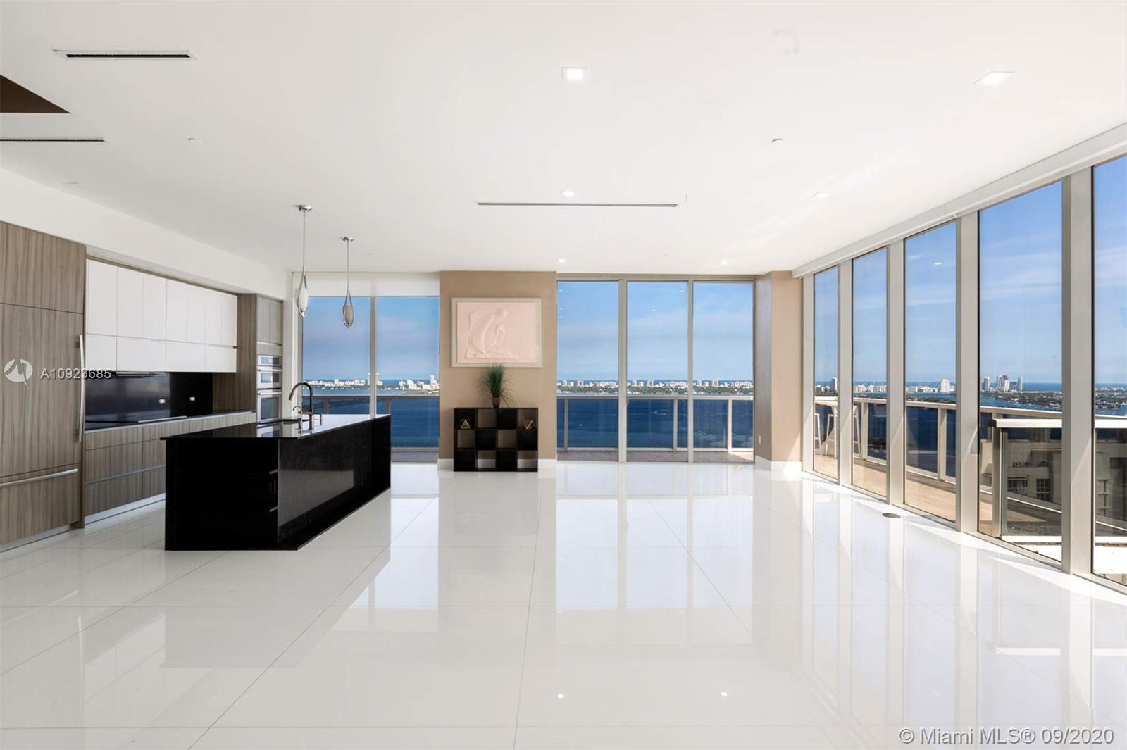 DUPLEX PENTHOUSE ON BISCAYNE BAY Live high-in-the-sky on the 36th floor at The Bay House. Currently