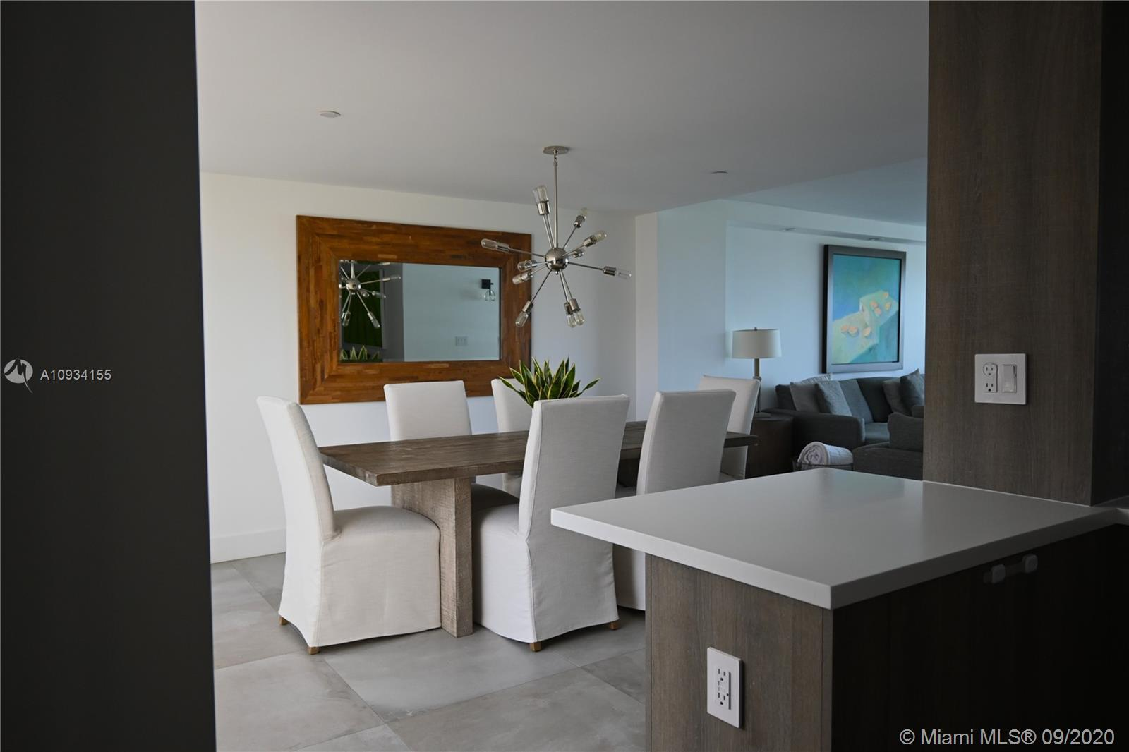 Gorgeous oversized apartment remodeled to perfection in 2018. It is located in the Iconic Atlantis C