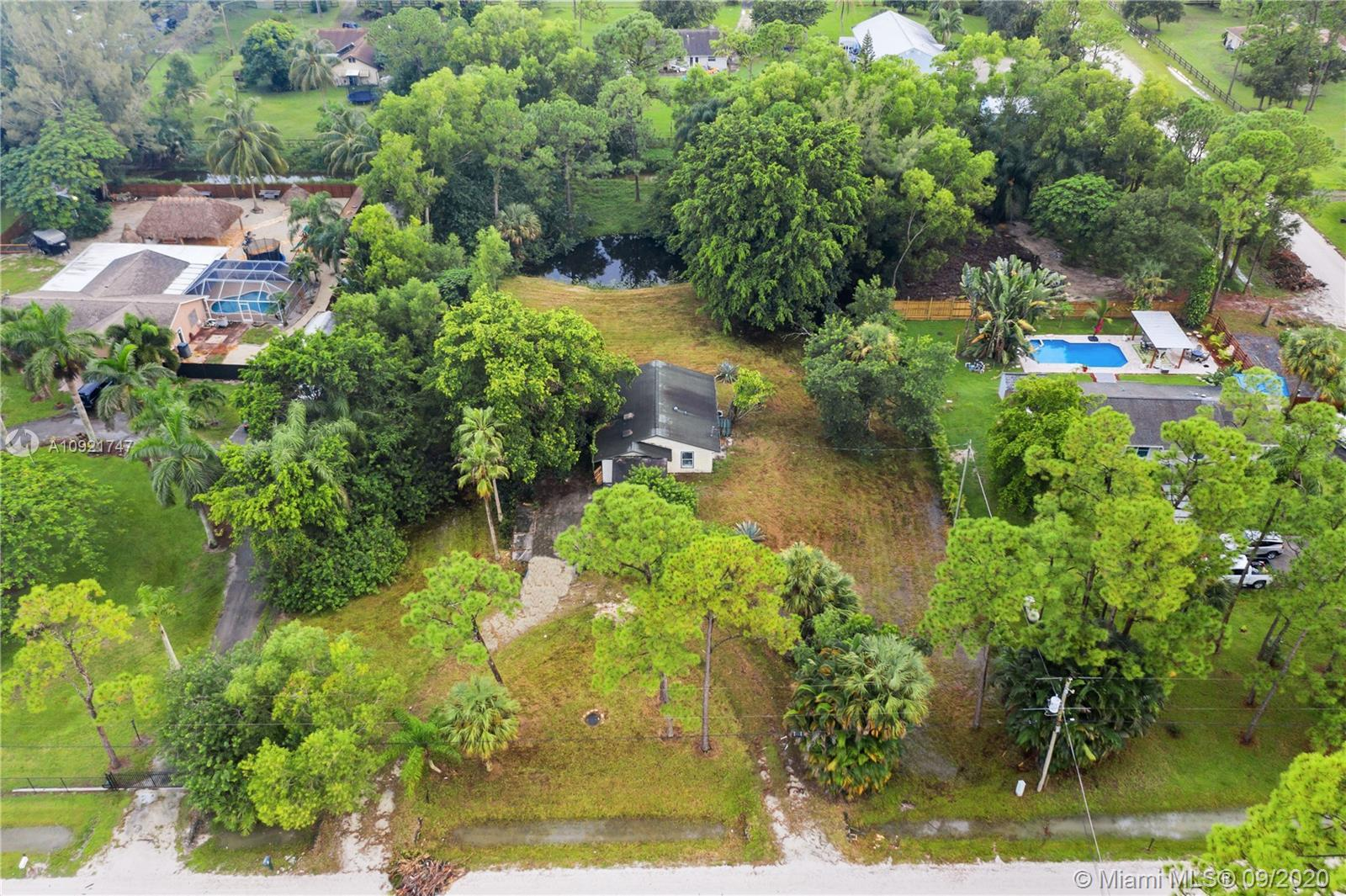 Fantastic opportunity to live in a completely renovated home in Loxahatchee. The home is remodeled w