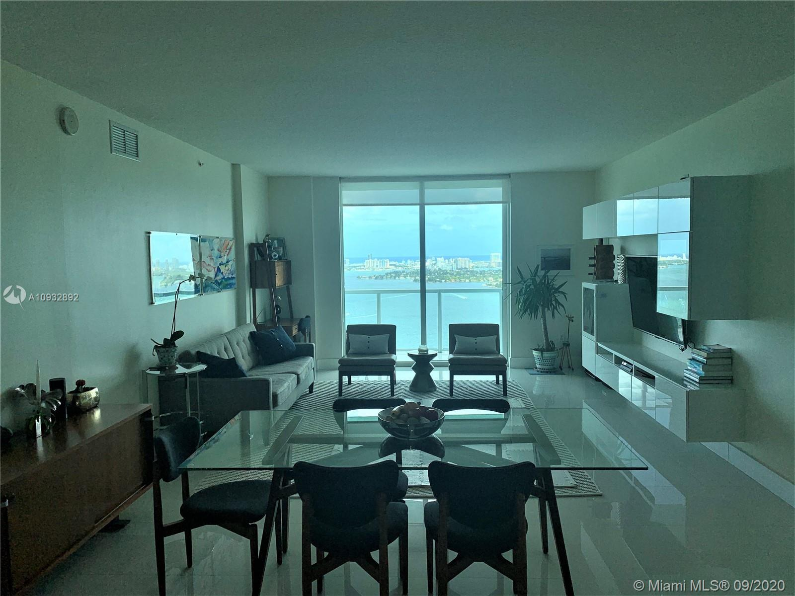 AMAZING 2 BEDS/2.5 BATHS UNIT @ QUANTUM ON THE BAY! WRAP AROUND BALCONY WITH BREATHTAKING PANORAMIC