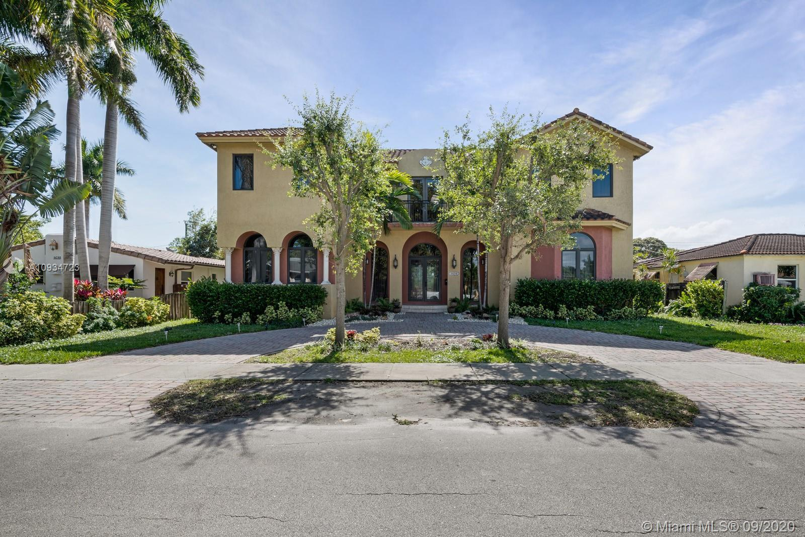 Luxurious 2-story custom built house in great location!! There is plenty of room for kids and compan