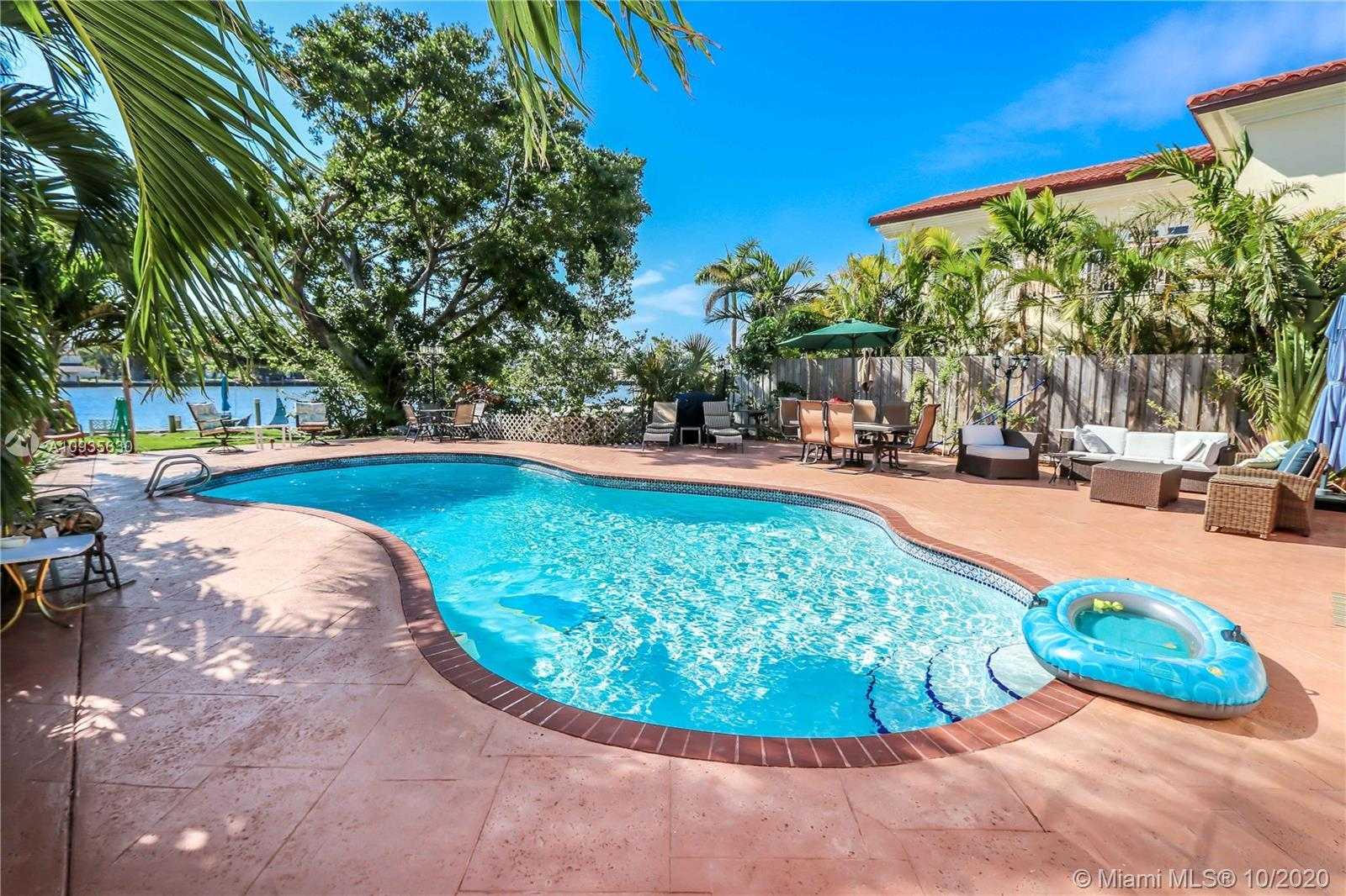 Great Location! Beautiful Home in Hollywood Lakes Northlake Area on the Intracoastal Waterways~3 Bed