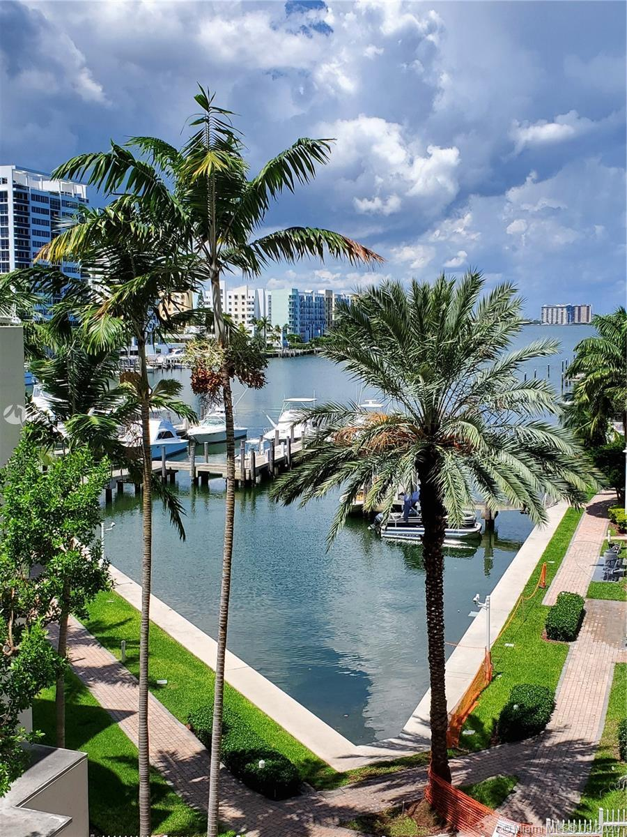 LARGEST WATERFRONT 2 BEDROOM 2 BATH UNIT WITH PRIVACY BALCONY.  SPECTACULAR VIEWS OF BISCAYNE BAY FR