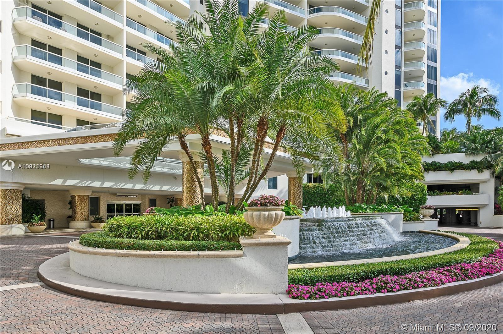 Low floor lovers unite as a private elevator brings you into this upgraded unit w/direct Intracoasta