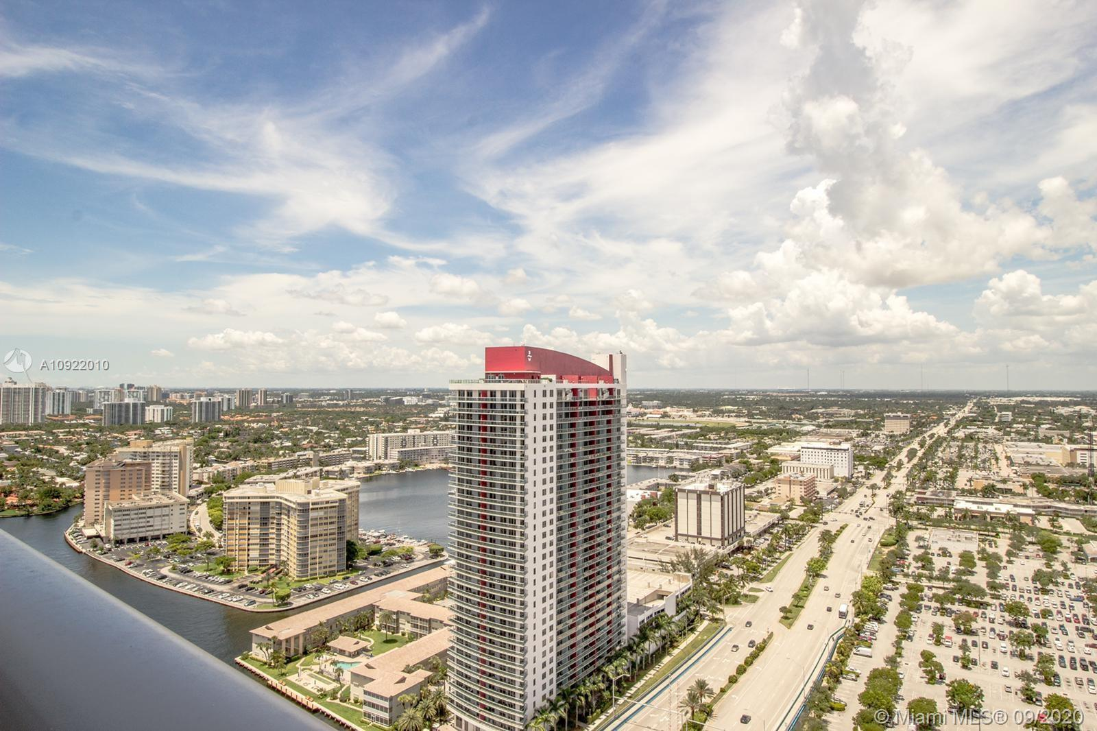 Luxury apartment located at Hollywood Beach. Amazing canal view! Modern furnished and stainless appl