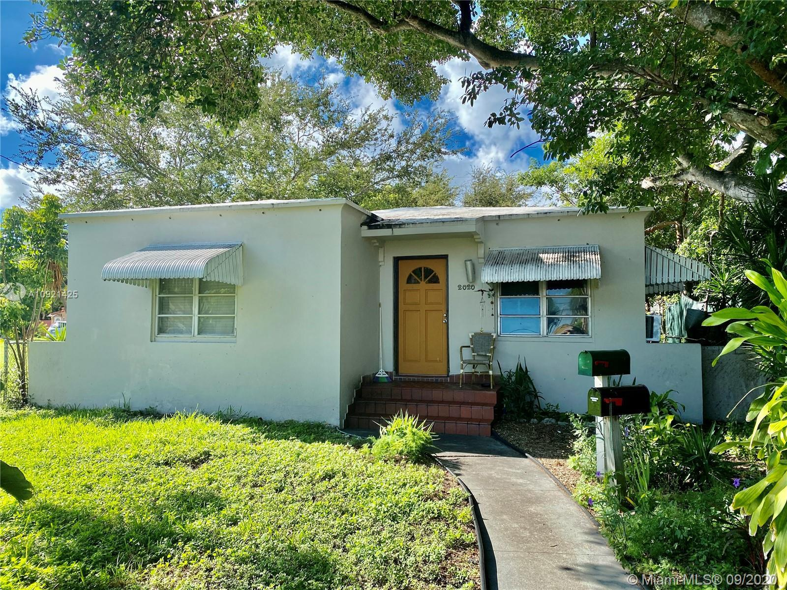 Single family w/detached studio located in a High Density Mixed-Use District zoned DH-3; an ideal, r
