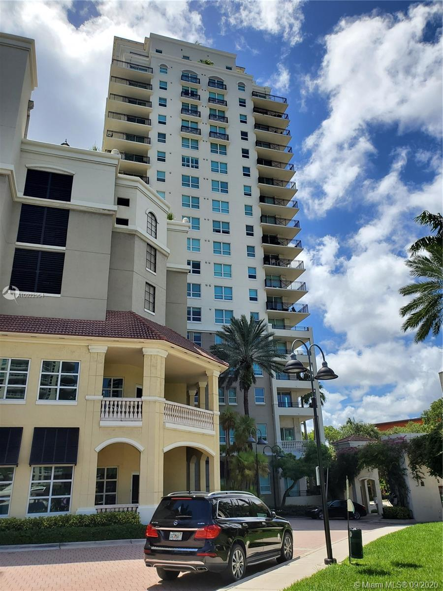 Beautiful 1 Bedroom 1 Bathroom Unit Located In Symphony Las Olas Right On The River With New Floorin