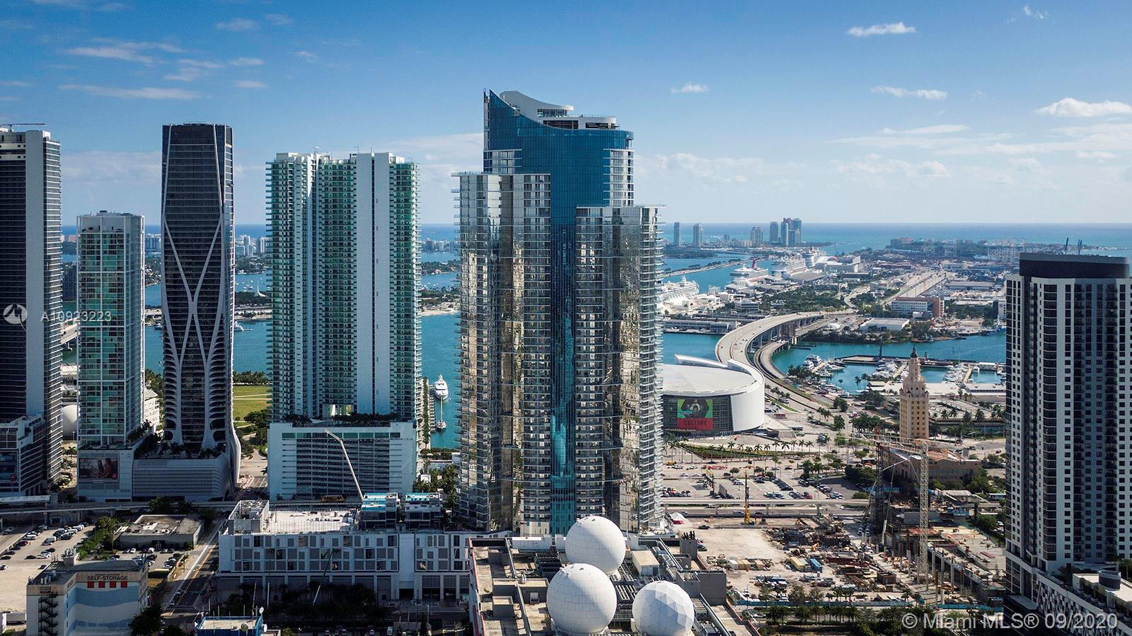 THIS CONDO OFFERS LUXURY & CONVENIENCE AT PARAMOUNT MIAMI WORLD CENTER. BRAND NEW UNIT READY FOR IMM