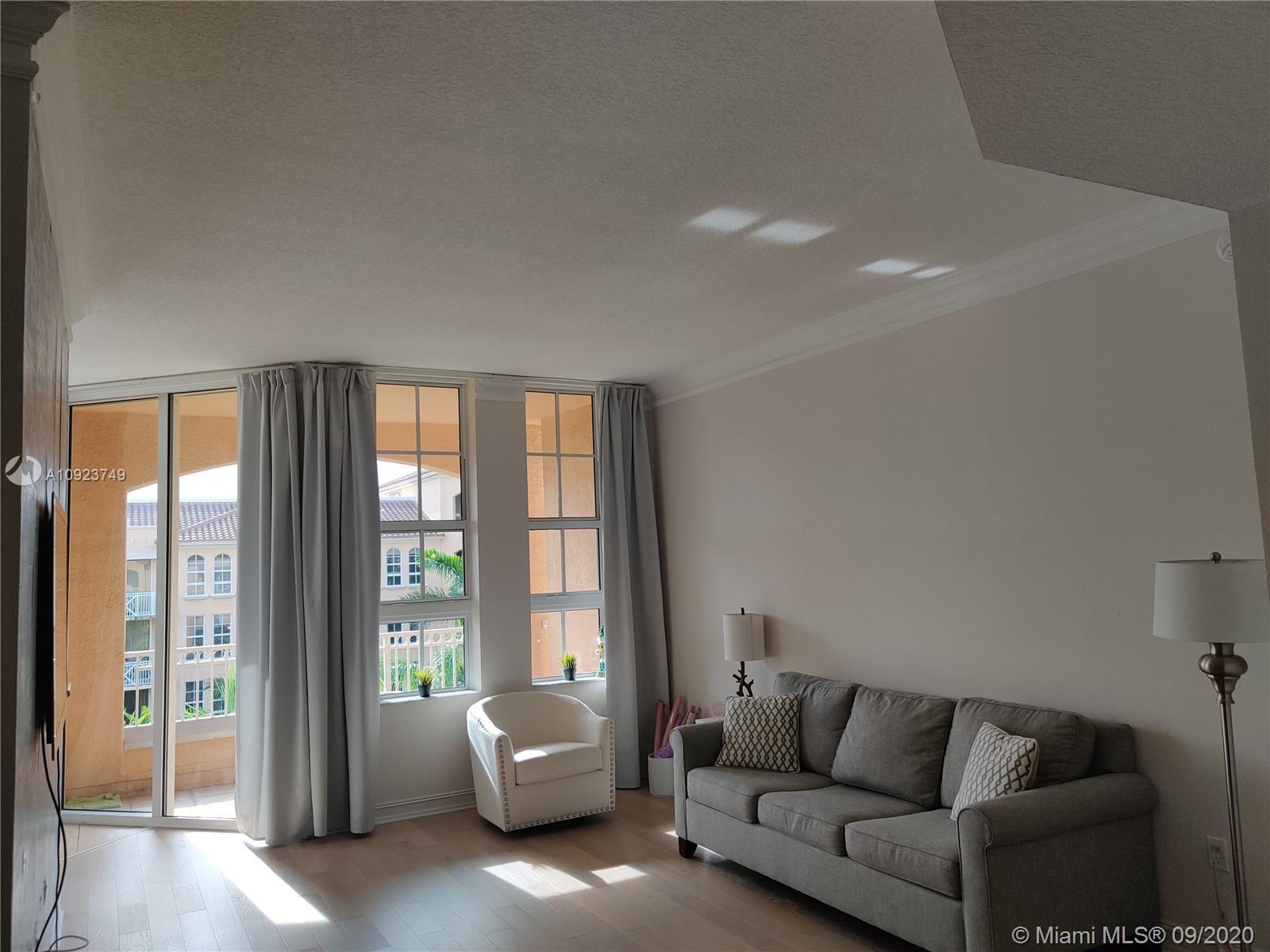 BEAUTIFUL apartment with fantastic view of the pool! Stainless steel appliances, granite countertops