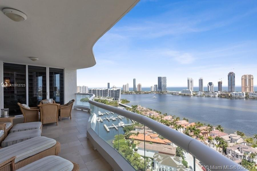 STRIKING RESIDENCE IN THE LUXURIOUS BELLA MARE AT WILLIAMS ISLAND, IT IS A MUST SEE! PRIVATE ELEVATO