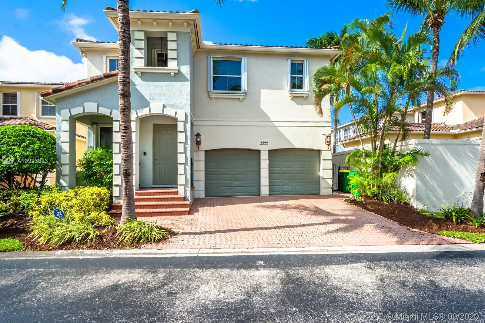 Aventura Lakes- Rarely Available Single Family Estate w heated pool in the heart of Aventura. 3000sq