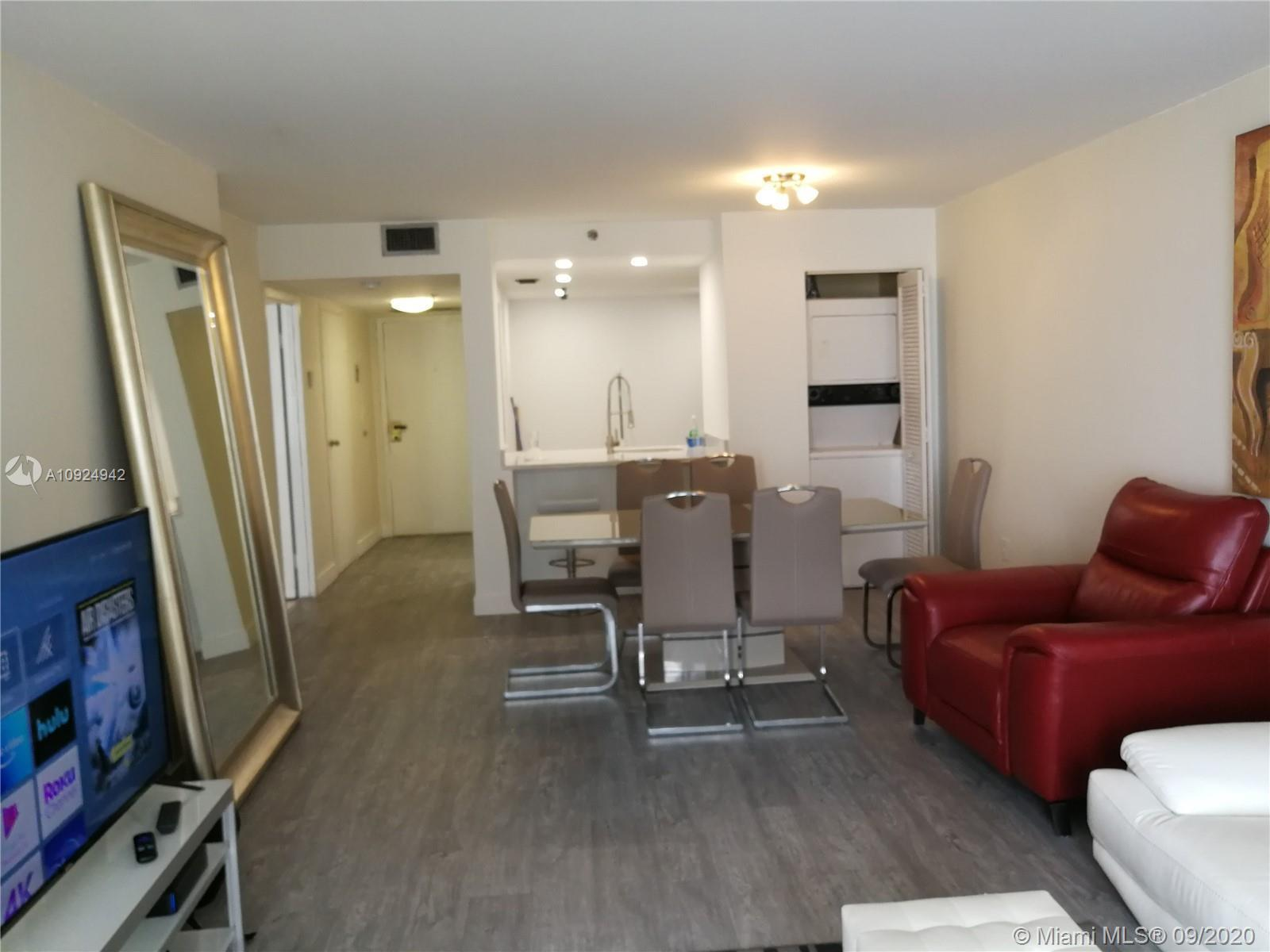 Recently remodeled Bayfront  1bedroom 1 and half baths. New kitchen and appliances,Large apt with pl