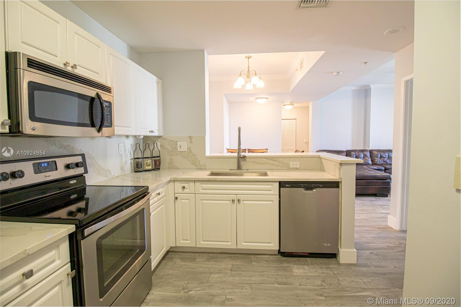 Completely remodeled Penthouse  - Best bang for your buck right off Las Olas!  - lots of natural lig