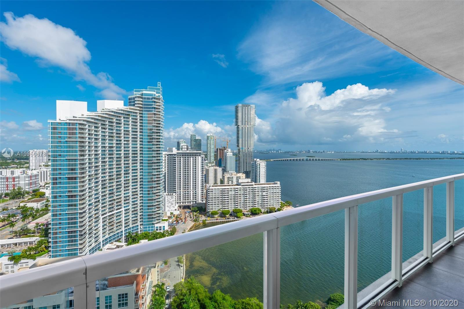 Your opportunity to own an upgraded 1-bedroom + den residence in Edgewater's Quantum on the Bay! Enj