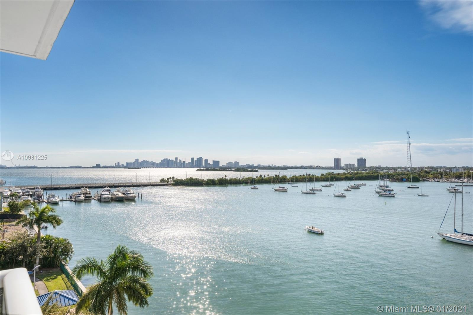 Breathtaking panoramic bay and downtown views for miles from this rarely available line at the Islan