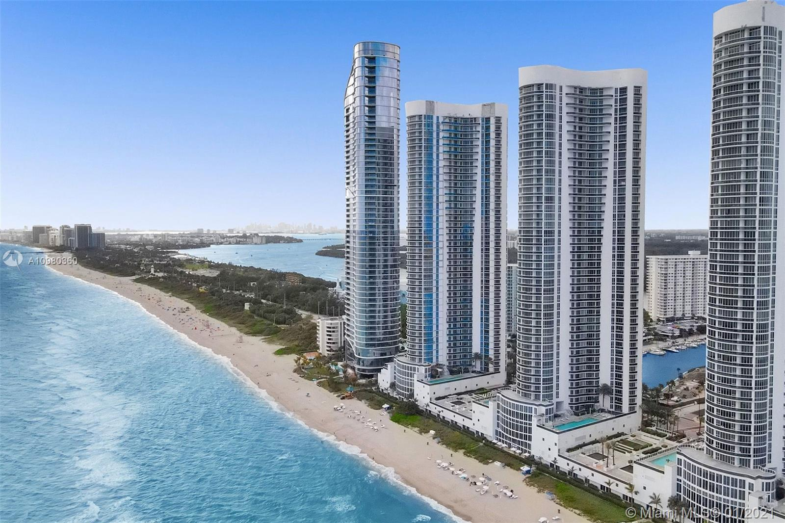 Magnificent direct ocean view from this low floor unit, feels like a house! Great split floorpan and