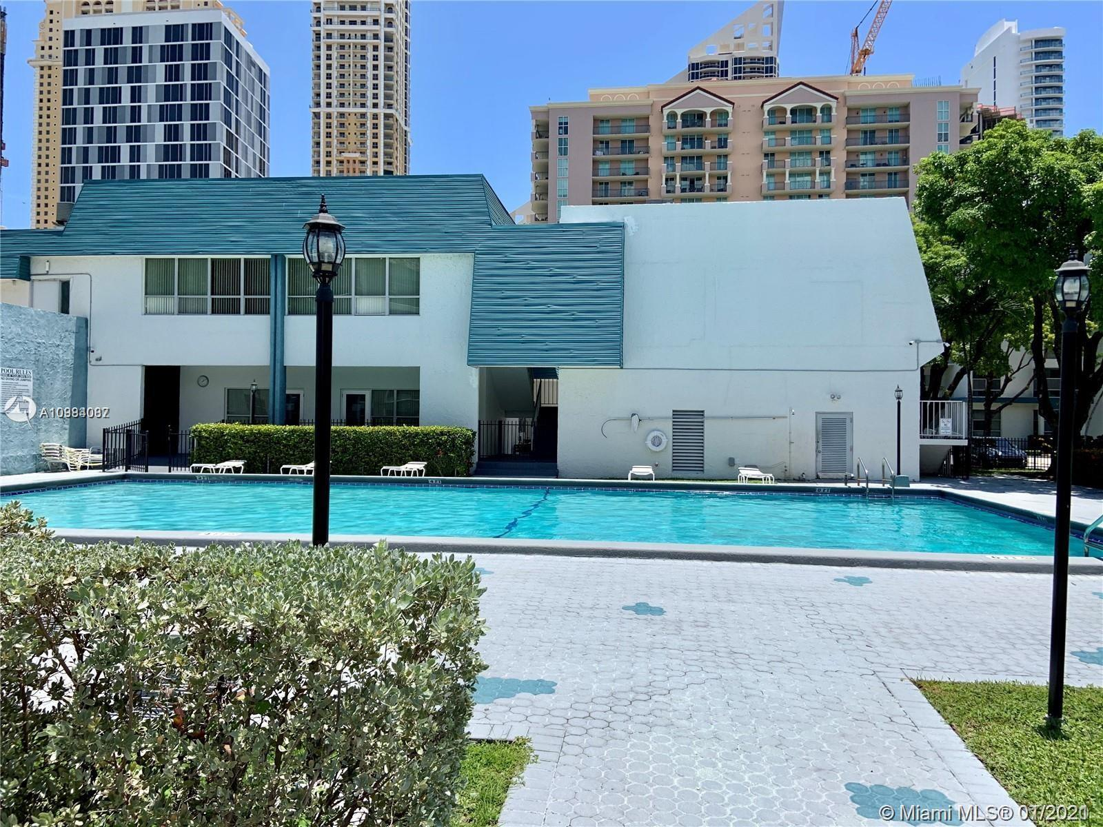 PRESTIGIOUS SUNNY ISLES* STEPS TO THE OCEAN* BEAUTIFUL REMODELED 1 BED+DEN (DEN CONVERTED TO 2 BED)
