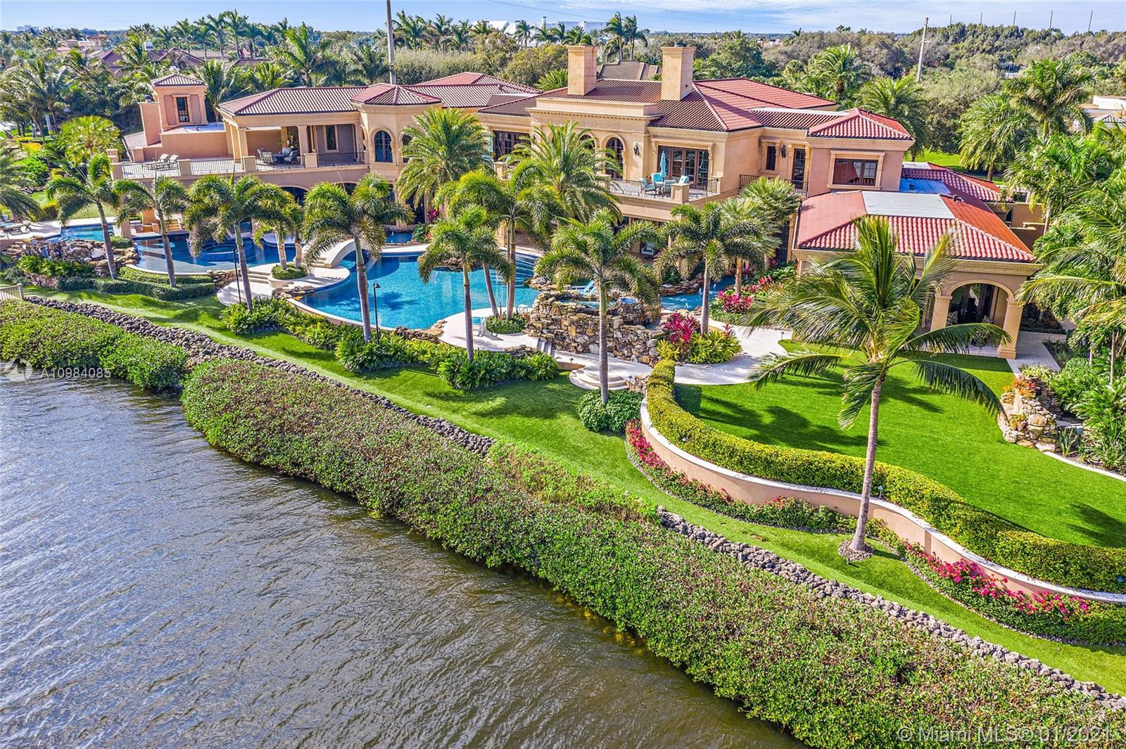 TROPHY PROPERTY The largest Intracoastal property in Admirals Cove. If you like toys this is your ho