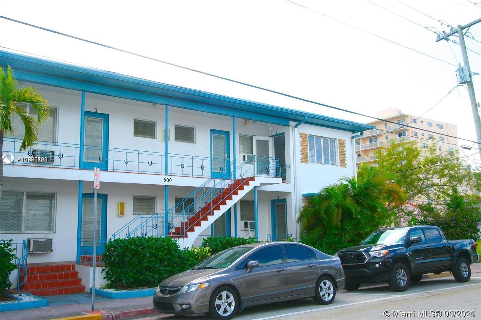 BRIGHT + RENOVATED TOP FLOOR ART DECO IN ONE OF THE FEW PET FRIENDLY BLDGS IN NORTH BEACH.  LOCATED