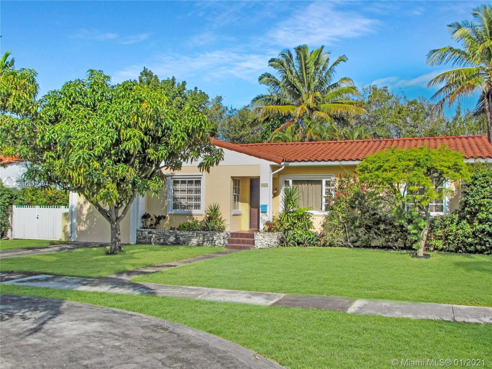 Cozy three bedroom and two bathroom home with a great NE location in Miami Shores. Located in a dead
