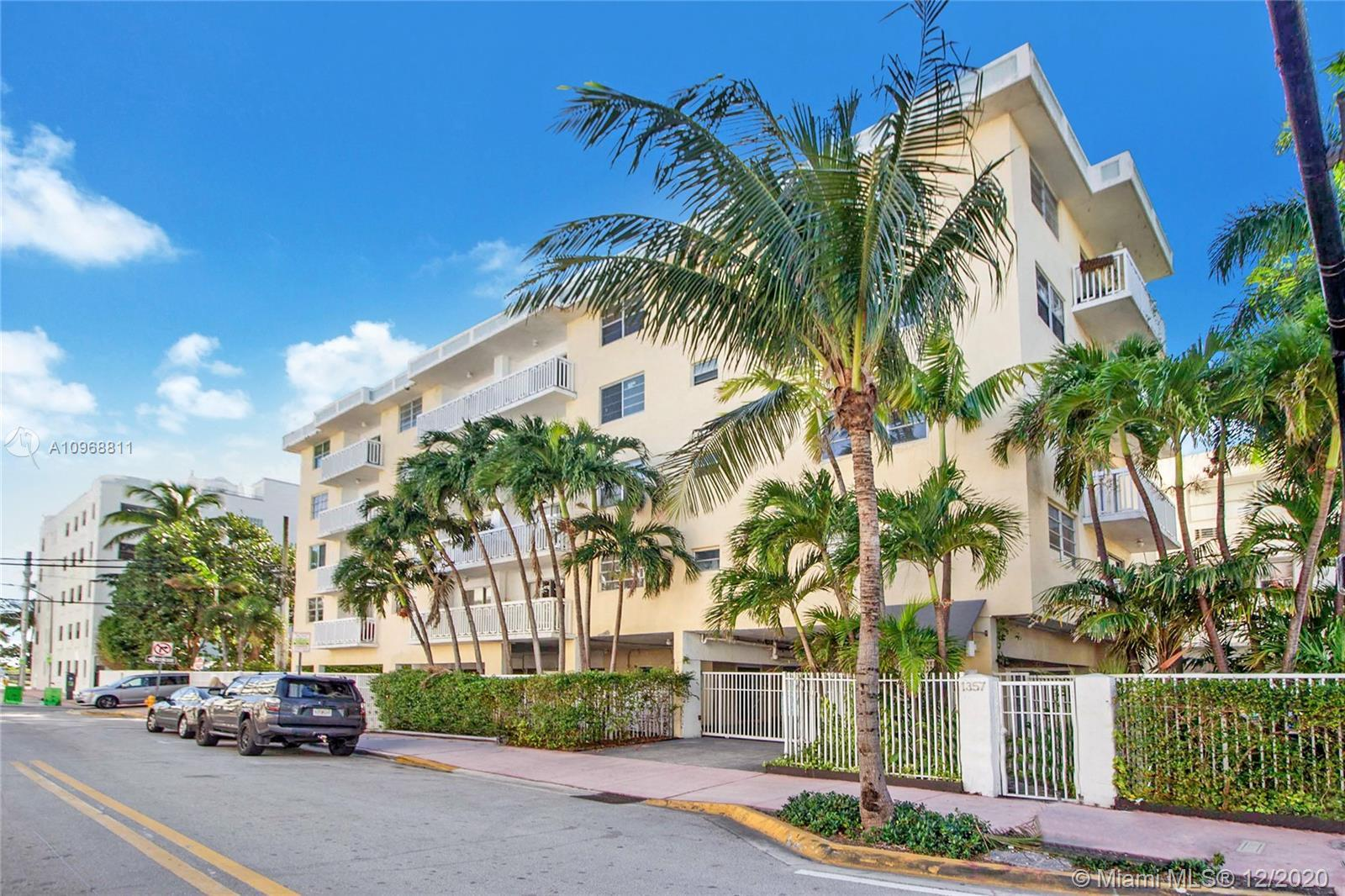 Premier Collins Avenue location within a block to the Park, Ocean, and Shopping conveniences. Enter