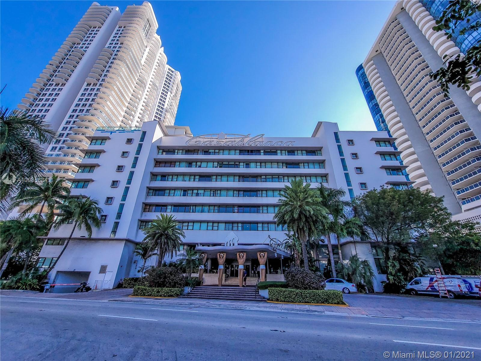 Great Studio in the heart of Miami Beach. Perfect for beach lovers, only across the boardwalk and en