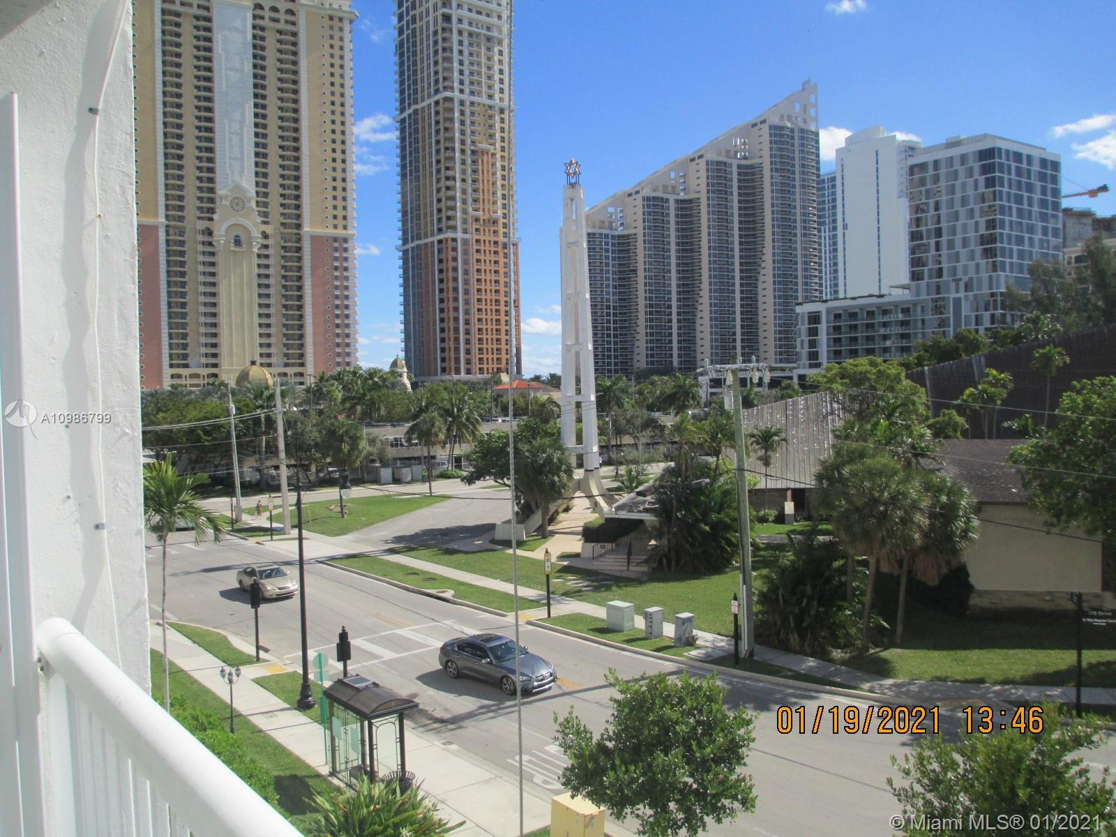 !!! RIGHT IN THE HEART OF SUNNY ISLES BEACH !!!  LARGE FURNISHED 1BD/1.5 BA . CERAMIC TILE. 1 COVER