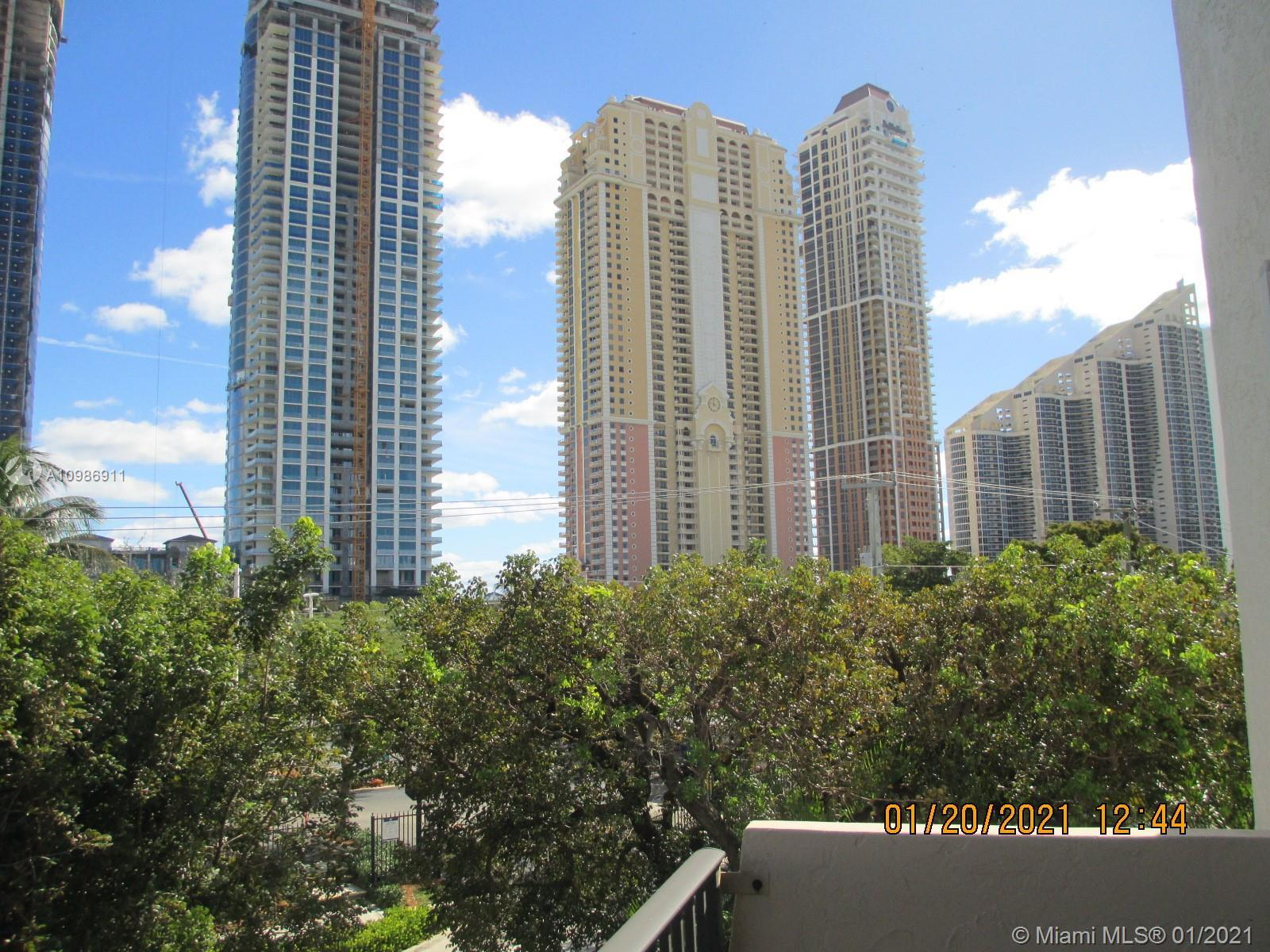 !! LOCATION !! LOCATION !! RIGHT IN THE HEART OF SUNNY ISLES BEACH !! NICE FURNISHED 1BD/2BA. LARGE