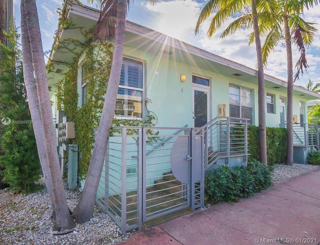 2 bedroom/2 bathroom corner unit in this unique boutique building(only 6 apartments in this complex,