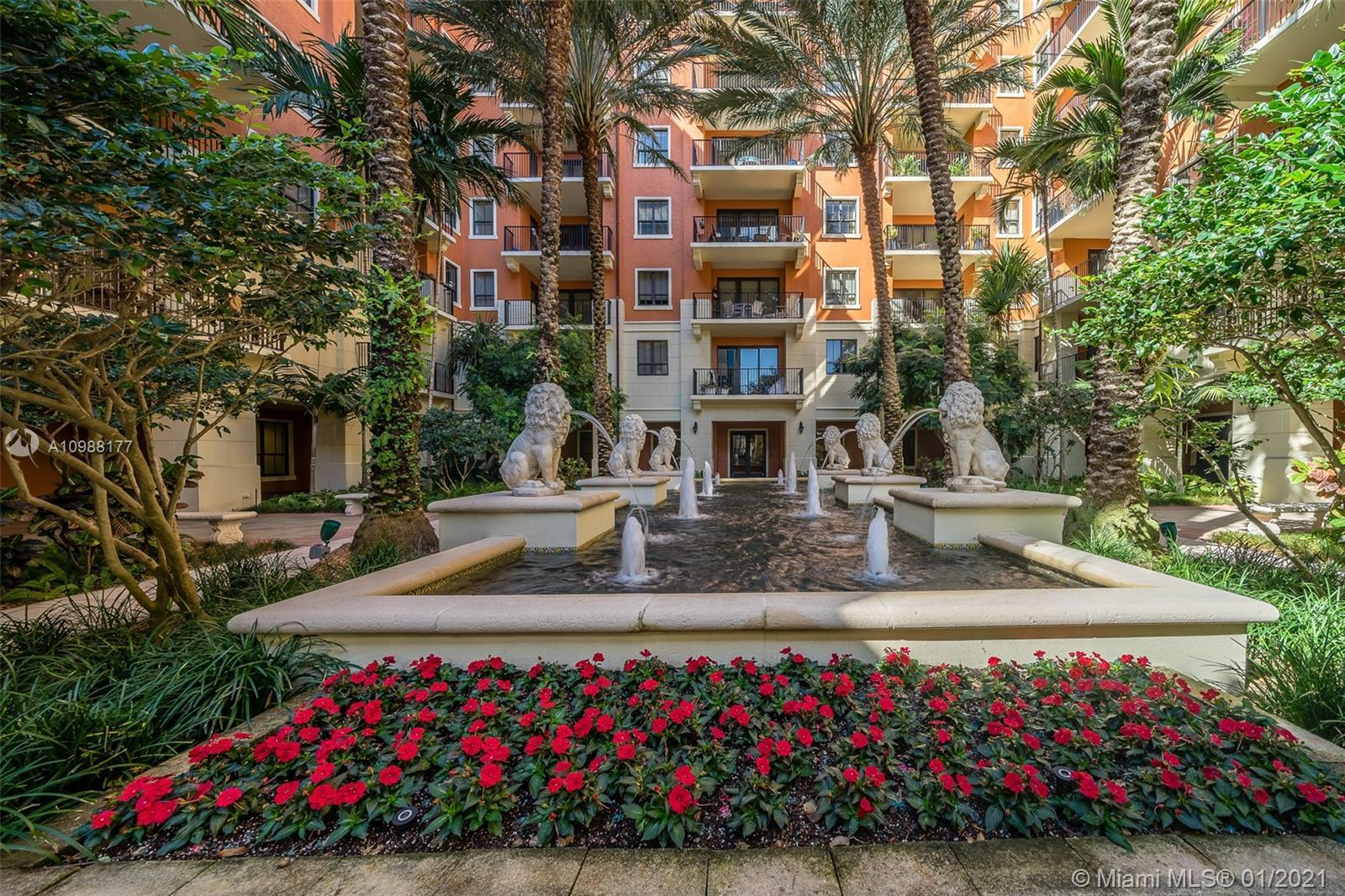 The most Gorgeous Apartment in the center of coral Gables, perfectly located in a nice and quiet bui