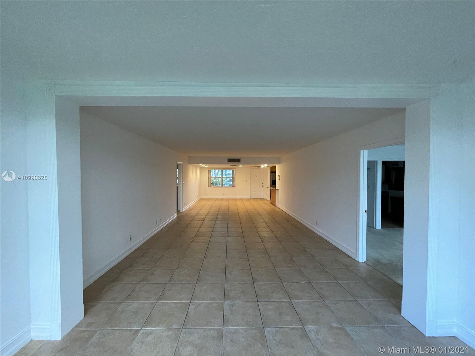 Beautiful and spacious 3 Bed 2 Bath, tile floors and carpet in Bedrooms. Updated Kitchen with granit