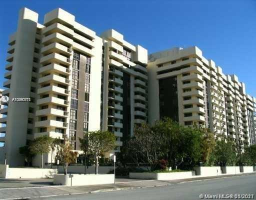 FULLY FURNISHED & EQUIPPED CONDO IN DESIRABLE BILTMORE II. CORNER UNIT ON HIGH FLOOR W/PANORAMIC VIE