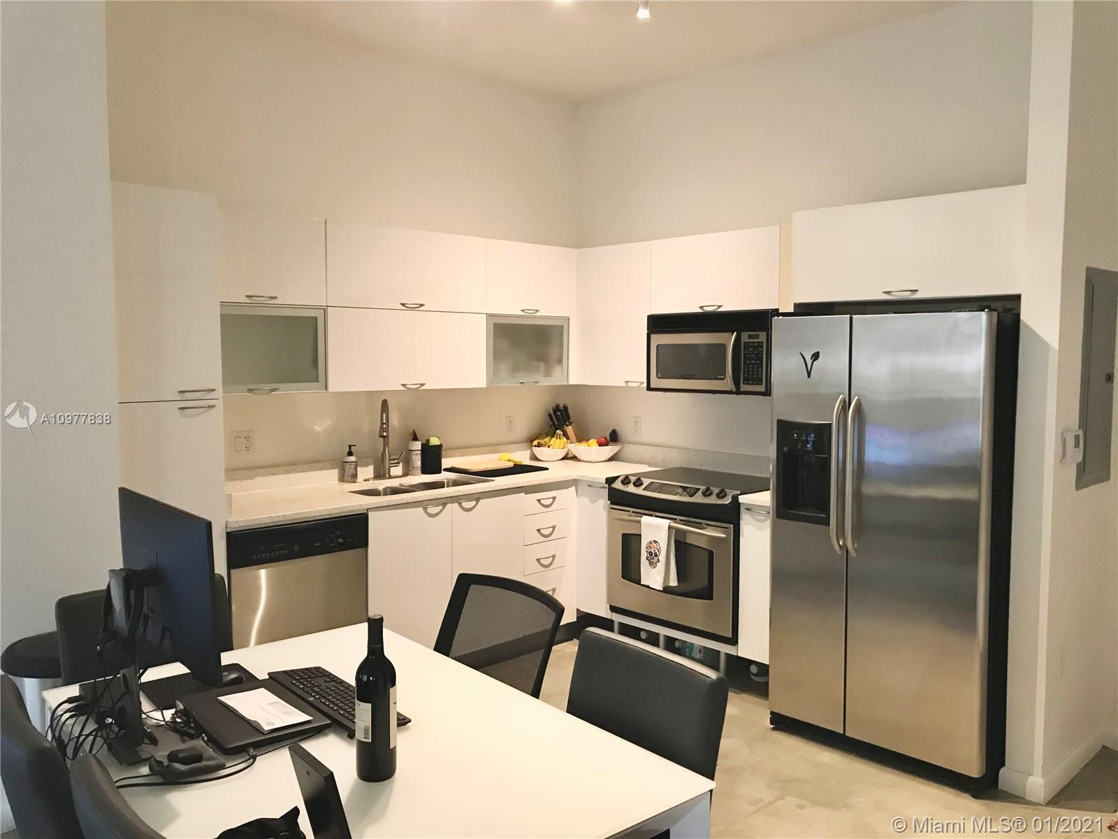 Fantastic well maintained loft style unit, Short term rental permitted, Unit can be rented 12 times
