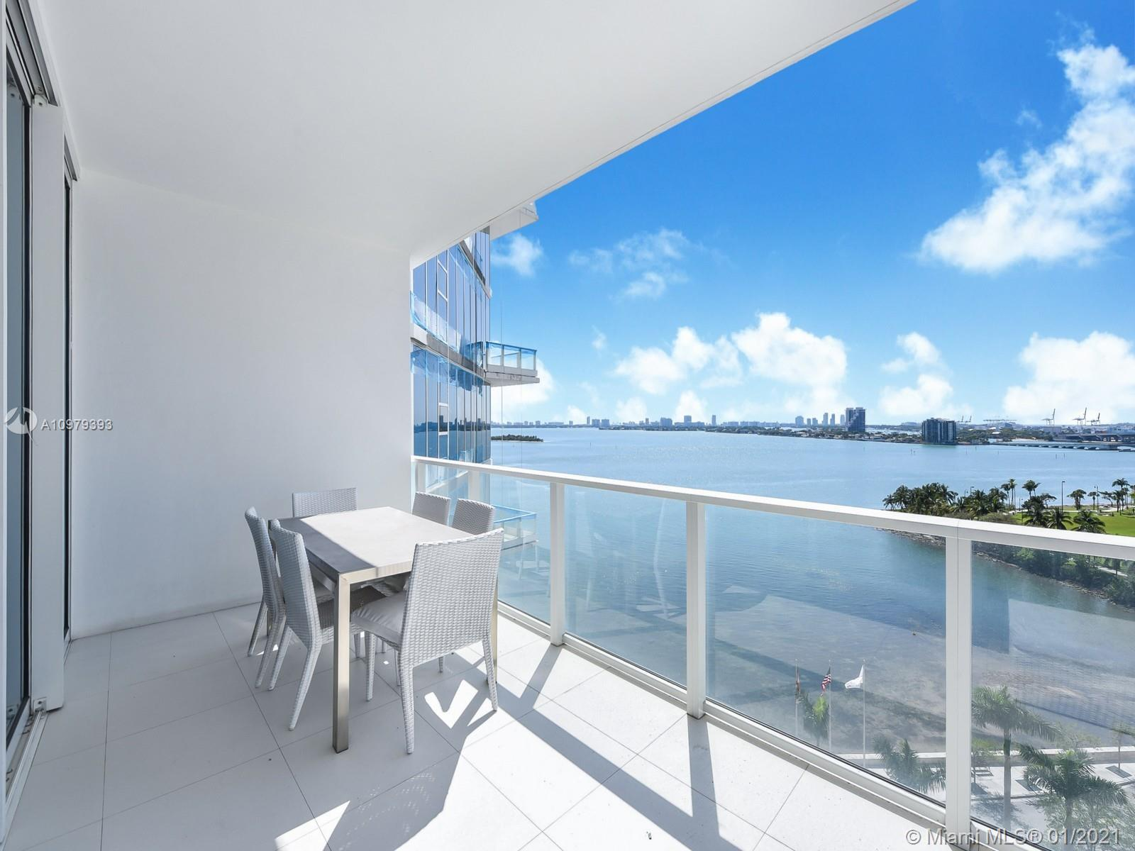 Amazing forever unobstructed water views, flow thru unit at Paramount bay, with 3/3 overlooking Bisc