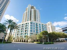 Beautiful Condo with Spectacular views! Exquisite finishes including: Marble floors, updated bathroo