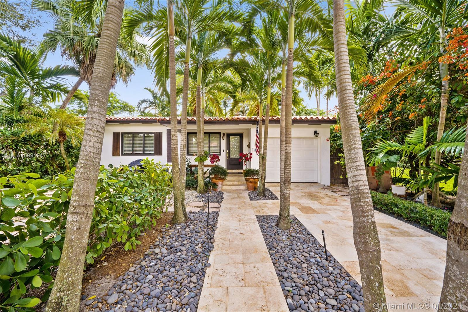 Welcome home to 416 Rosaro Ave - situated in the highly sought out South Gables. Bright, spacious, m