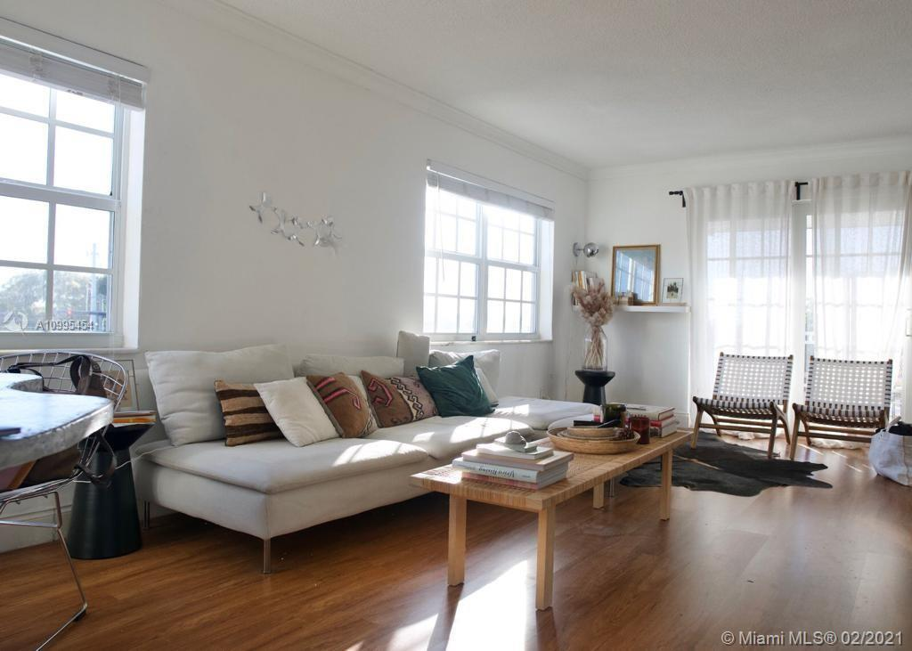 Beautiful corner unit with great and lovely spaces. Large walking closets, new impact windows and an