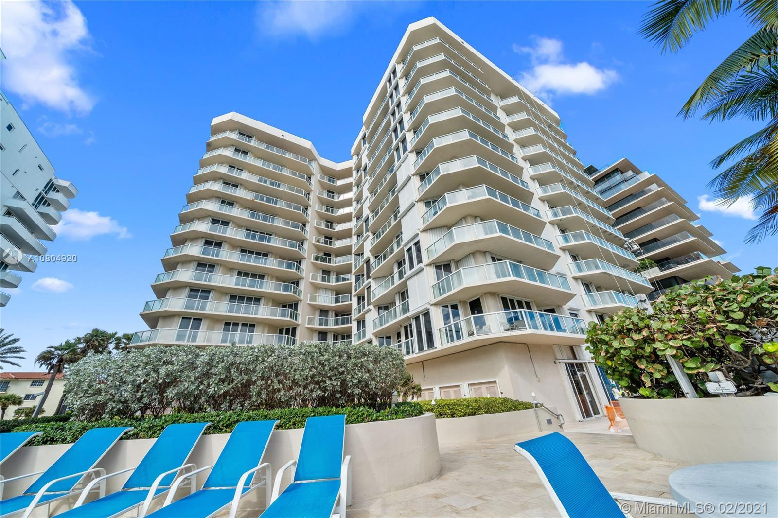Highly desirable 2 bedroom 2.5 bath  top floor penthouse corner unit facing Biscayne Bay, Miami Skyl