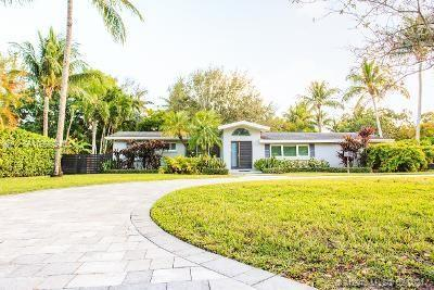 PINECREST CHIC OASIS. BEAUTIFULLY RENOVATED. FENCED LUSH LANDSCAPED YARD FOR COMPLETE PRIVACY. CONCR