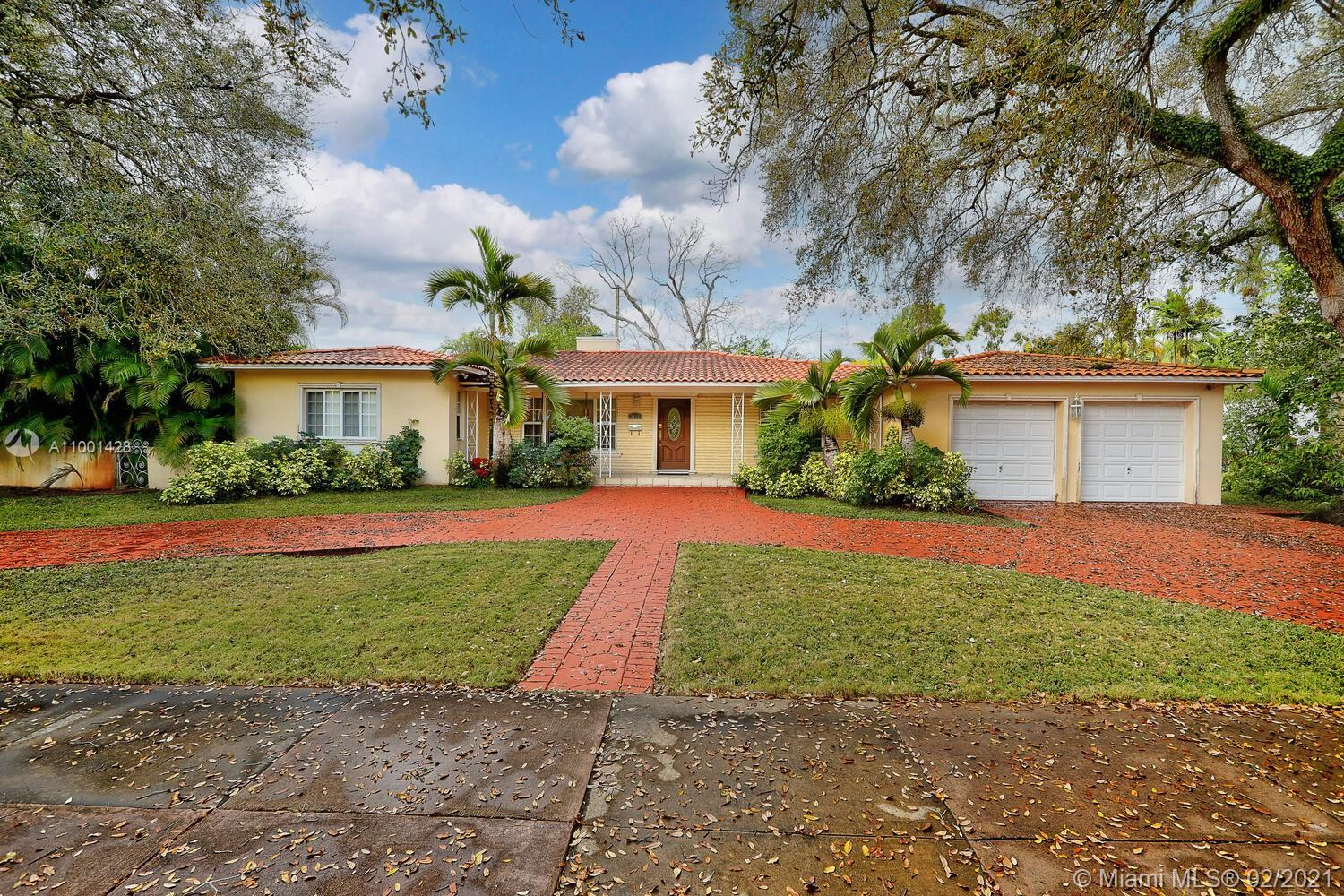 Lovely home on tree-lined Country Club Prado, a coveted Gables cul-de-sac. Located just minutes from