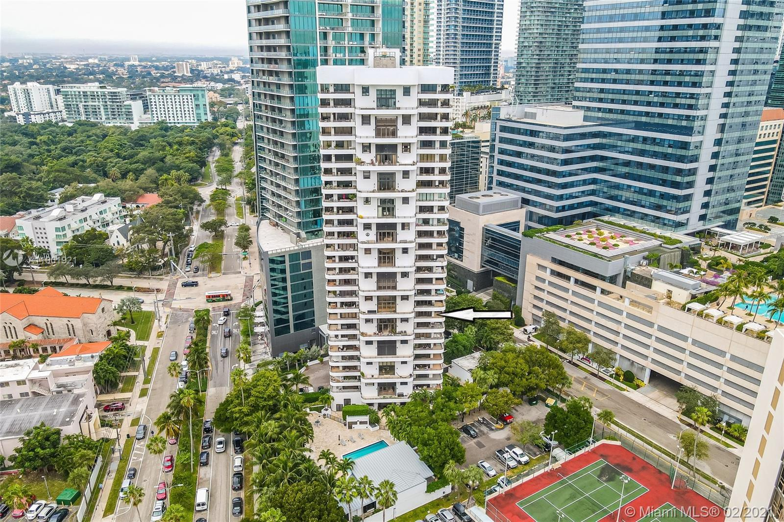 Fantastic opportunity!! Breathtaking Biscayne Bay views from this north-east facing corner 2BR/2BA r