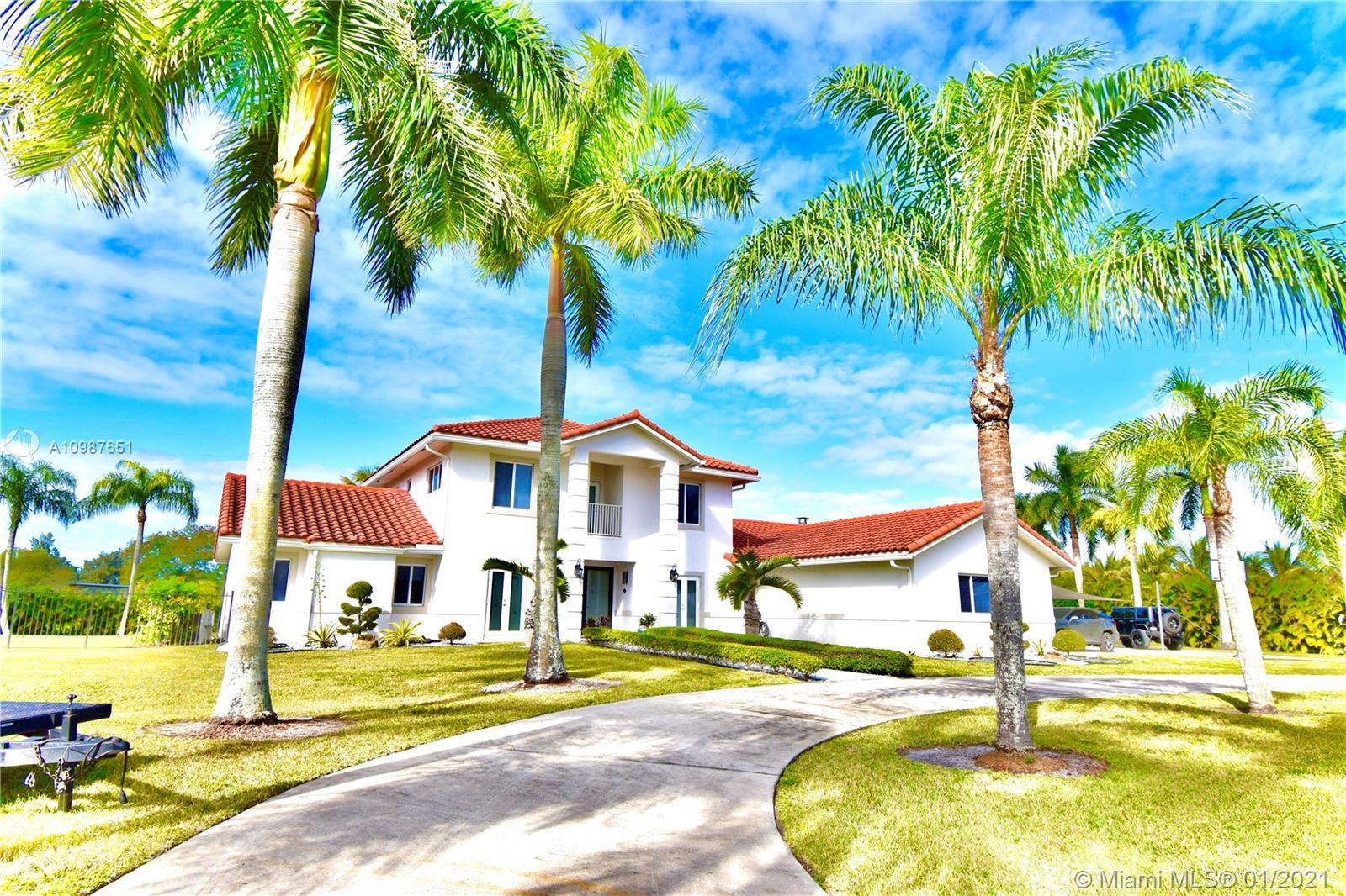 South Florida Finest Estate -Private Entrance W/Fully Updated W/New Roof W/ 5 Bedroom 4 1/2 Bath (2