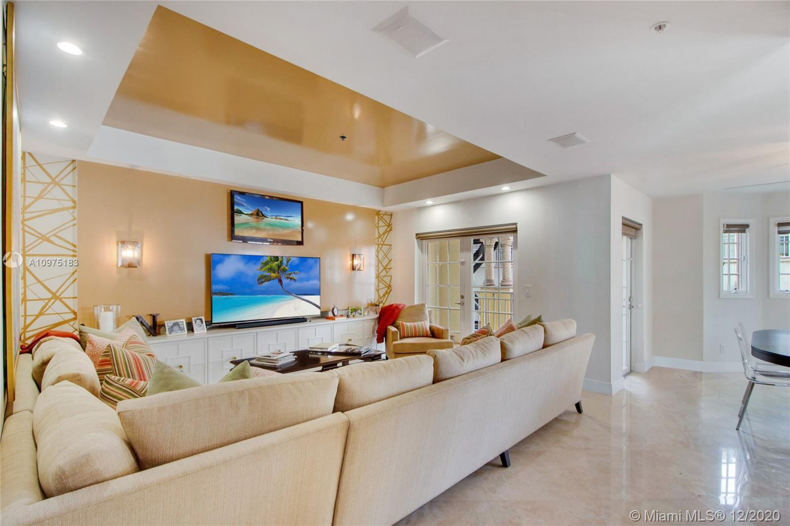 Rare opportunity in the exclusive Townhomes at Sunset Harbour walk straight into your unit without h