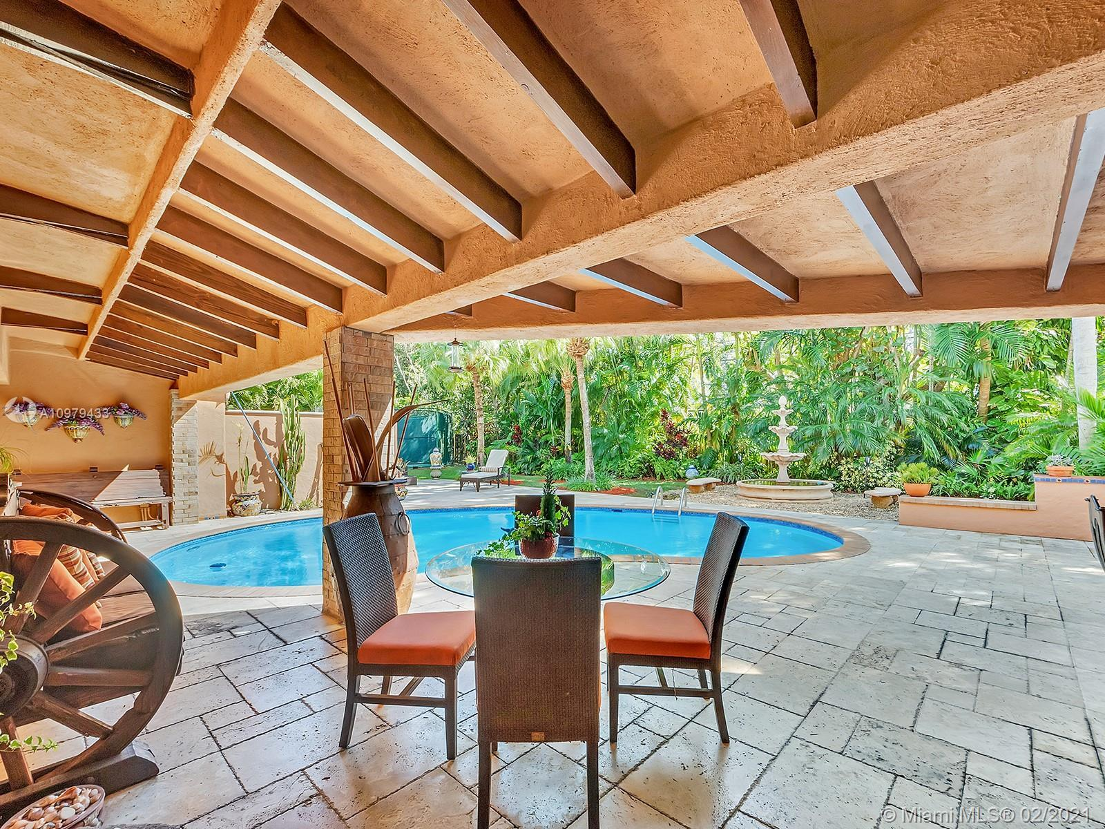 Tropical Paradise in the Heart of Pinecrest! Prepare your heart and soul for a sanctuary that blurs