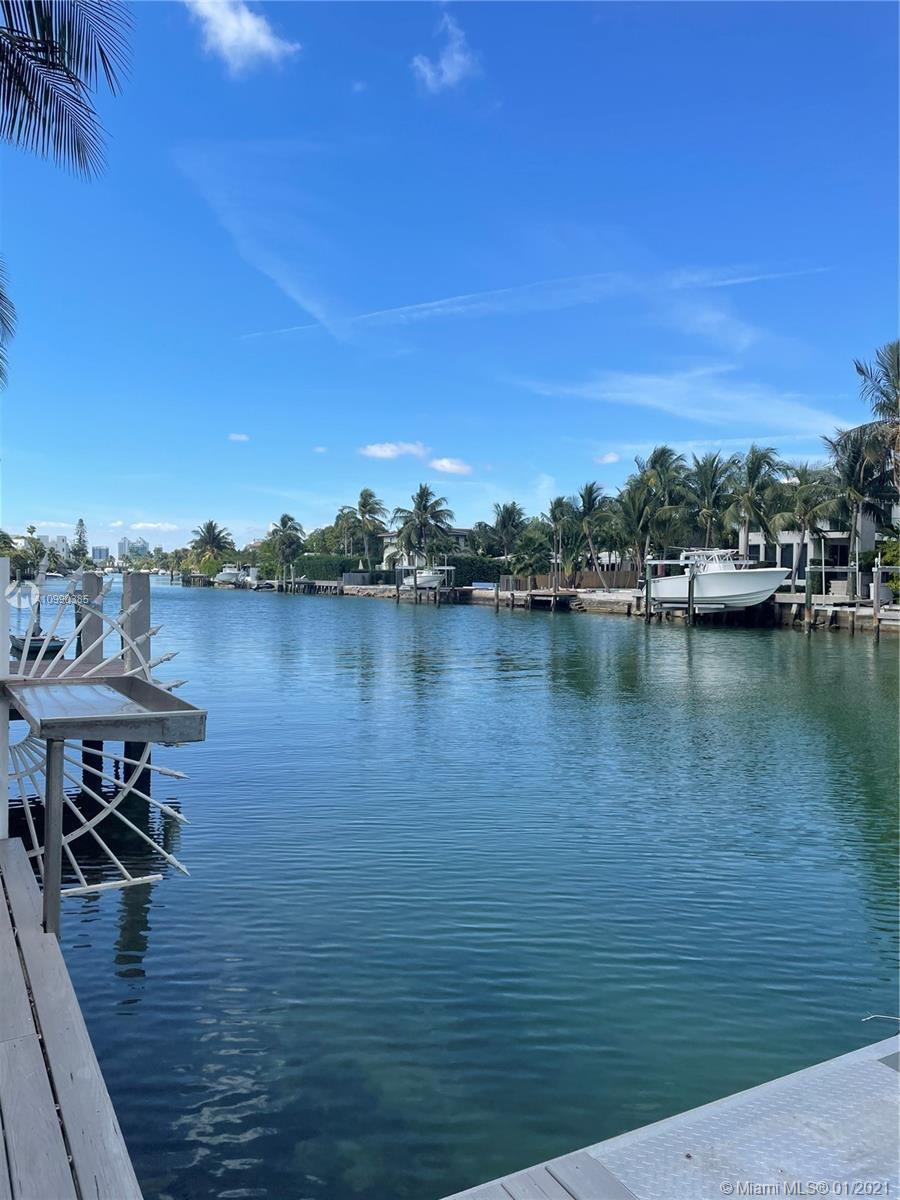Beautiful waterfront tropical oasis in the highly sought out area of Normandy Waterways. More than 6