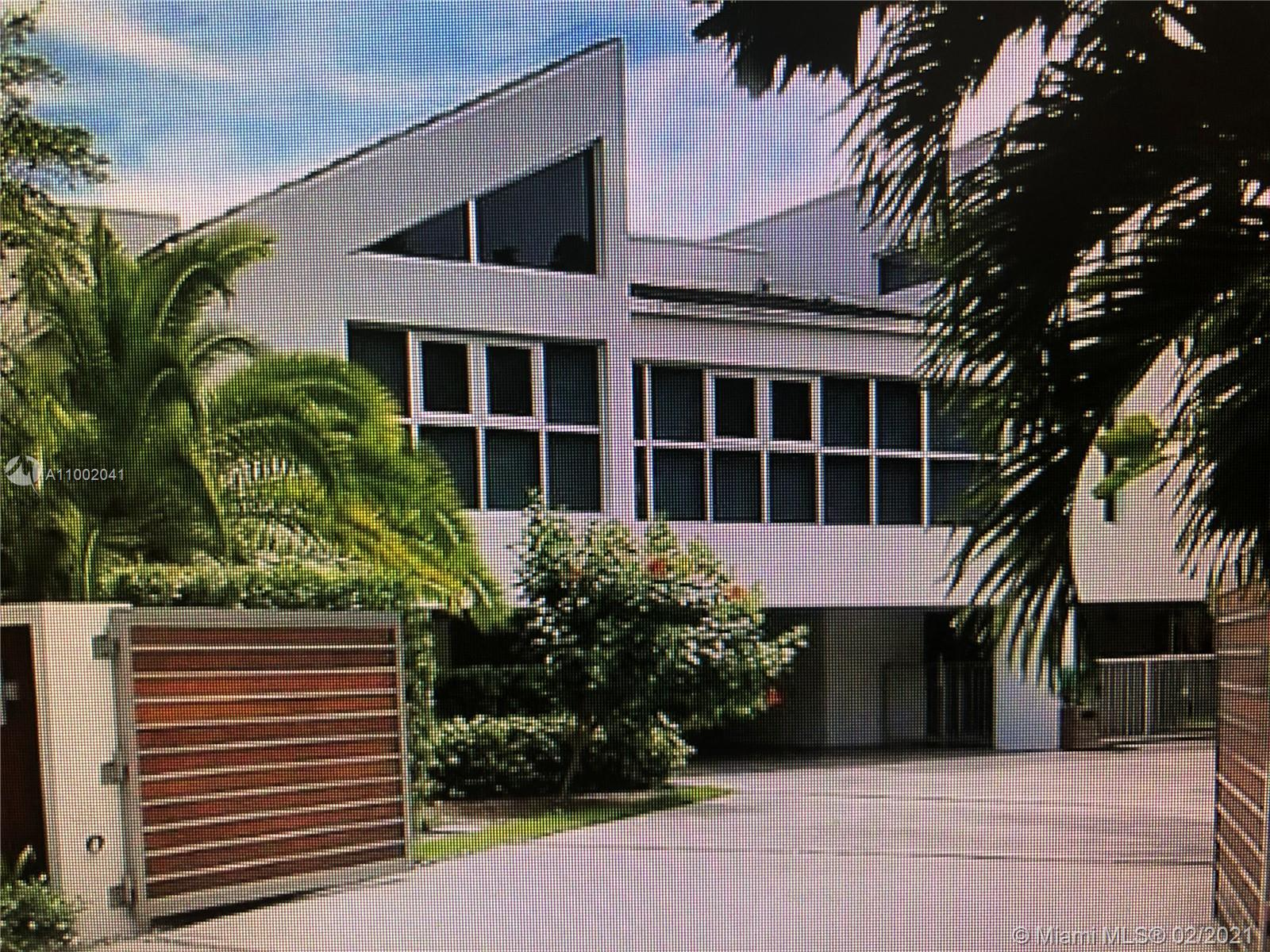 This 4 bedrooms, 4 bathrooms + 2 bonus rooms, modern entertainers dream home, was designed by famous